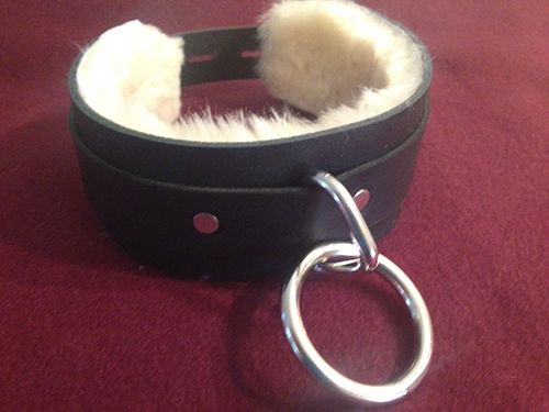 locking fur lined collar